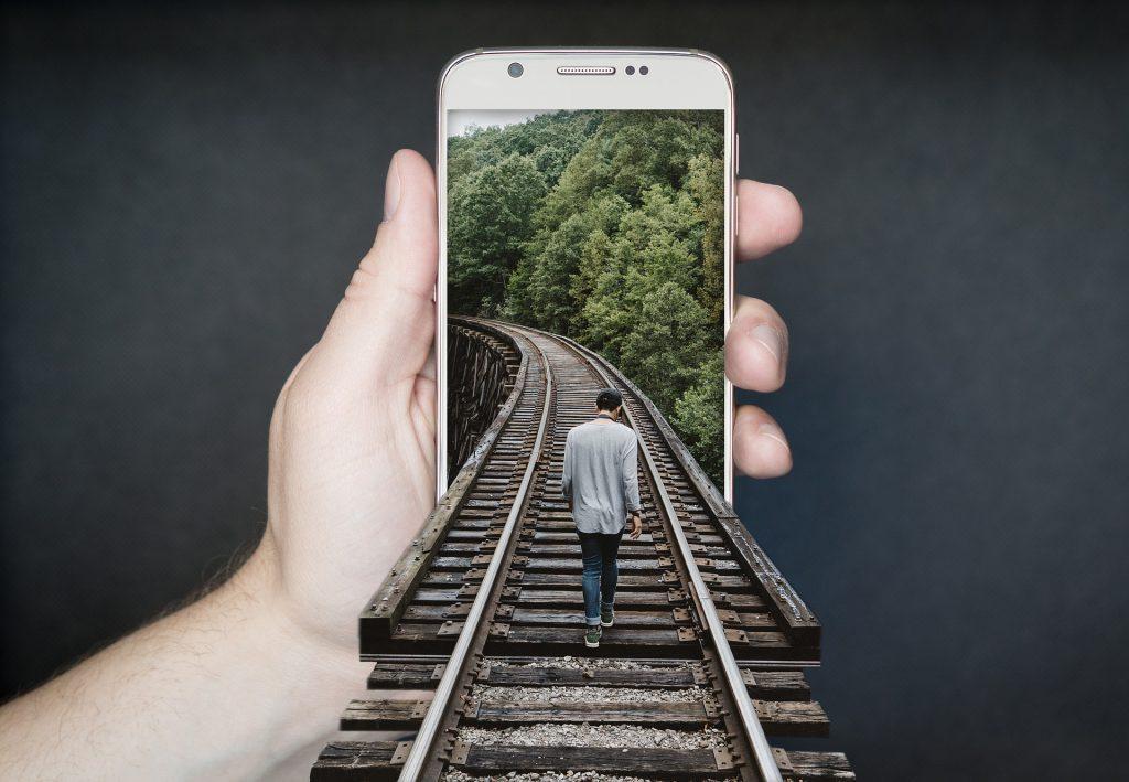 Smartfon czy klasyczny GPS?